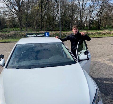 Luca Meester geslaagd @ rijschoolbybart.nl